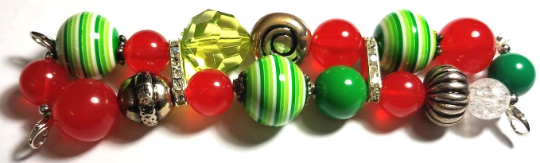 NEW women's Handmade beads Stretchable band with Green& Red color beautiful beads