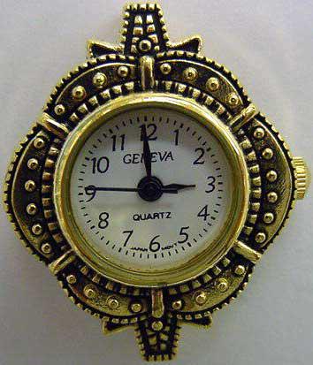 Geneva 22mm Gold tone watch face