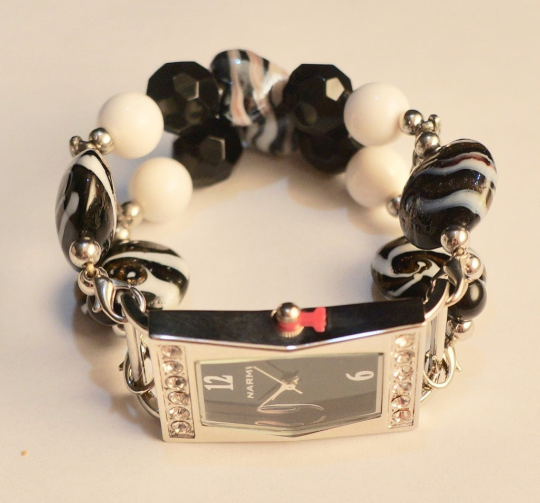NEW women's Handmade beads Stretchable band with Black,Pearl& combination of black&white color beautiful beads
