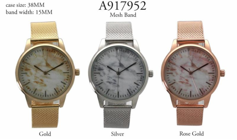 NEW women's 38mm Round CZ Dial with Magnetic Strap
