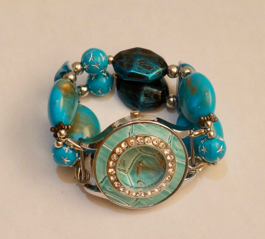 NEW women's Handmade beads Stretchable band with Aqua color beautiful beads