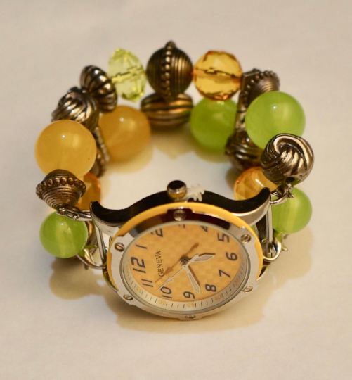 NEW women's Handmade beads Stretchable band with light Green& Yellow color beautiful beads